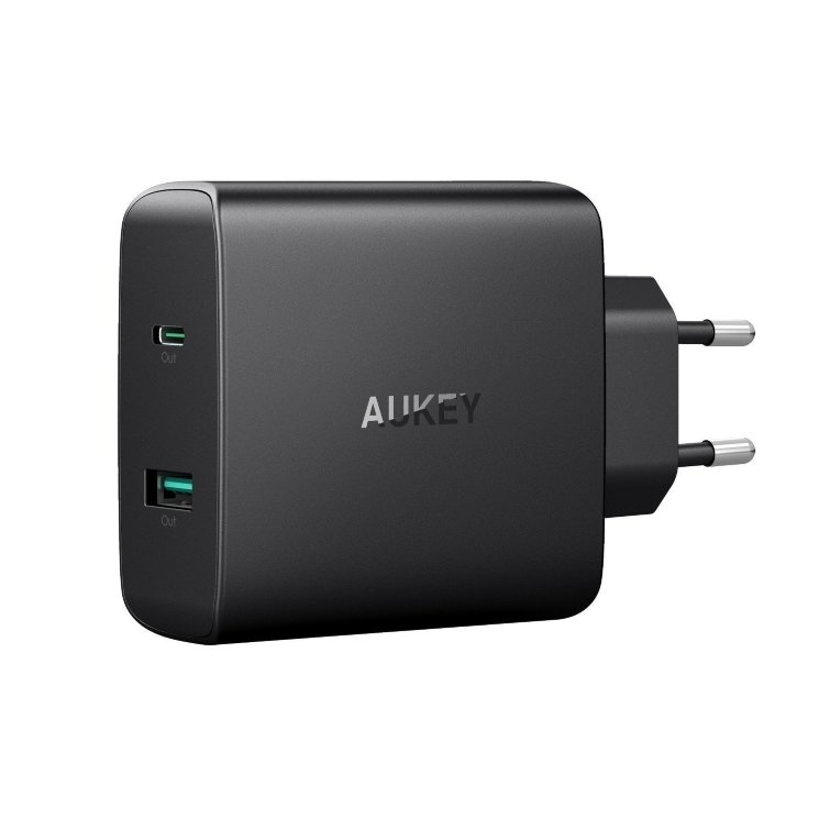 Сетевая зарядка Aukey USB C 46W USB-C Power Delivery 3.0 & 5V/2.1A Ports USB для MacBook / Pro, Huawei, iPhone, Samsung, PA-Y10 (Черный цвет)